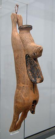 Aryballos hanging hare Staatliche Antikensammlungen.jpg