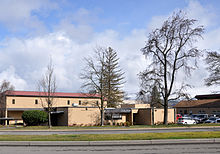 Ashland oregon high school admin bldg.jpg
