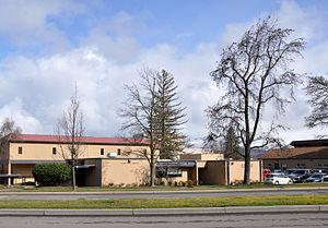 Ashland High School (Oregon) - Image: Ashland oregon high school admin bldg