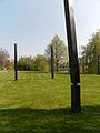Assen - Drie palen van Evert Strobos 02.jpg