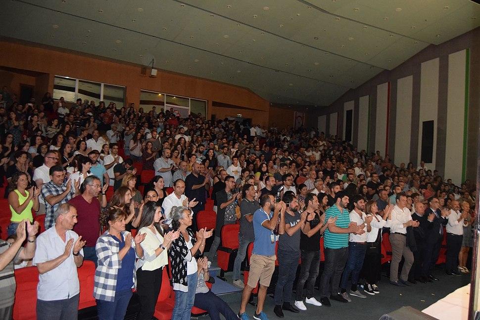 Audience for Gülünç Karanlık