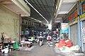 Bên trong Chợ Thứa, thị trấn Thứa, huyện Lương Tài, tỉnh Bắc Ninh, đi từ cổng phía đường Đào Phùng Thái vào.jpg