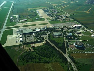 Belgrade Nikola Tesla Airport - Image: BAM 68 Kompleks AB JAT MVB
