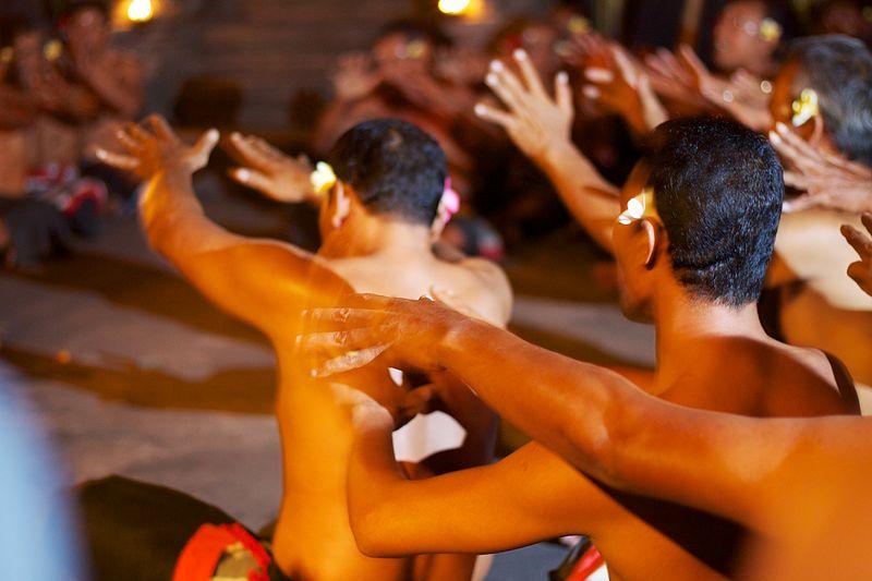 File:Bali 041 - Ubud - kecak fire dance.jpg