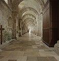 Basilique Sainte-Marie-Madeleine de Vézelay PM 46504.jpg