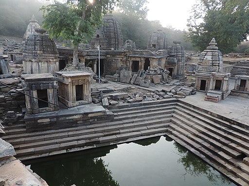 Bateshwar Temples (16313836371)