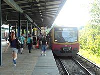 Berlin S- und U-Bahnhof Wuhletal (9495034457).jpg