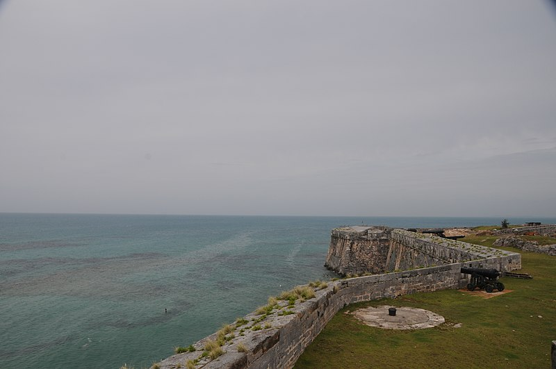 File:Bermuda - Royal Naval Dockyard fort looking North - panoramio.jpg