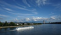 Beuel (Rhine) from Kennedybrücke.jpg