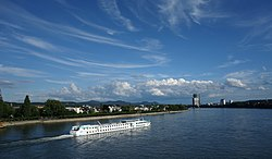Beuel (Rhine) from Kennedybrücke.jpg