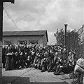 Bevrijding van het concentratiekamp te Amersfoort Alle gevangenen van het kamp , Bestanddeelnr 900-2829.jpg