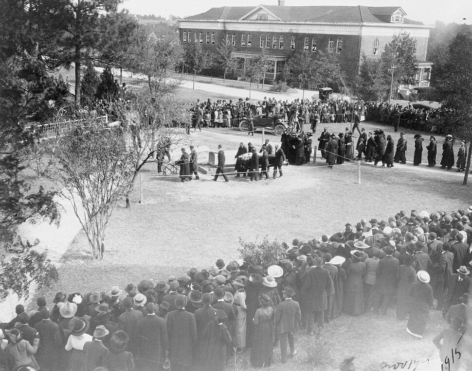 Booker T Washington burial 3c11868r