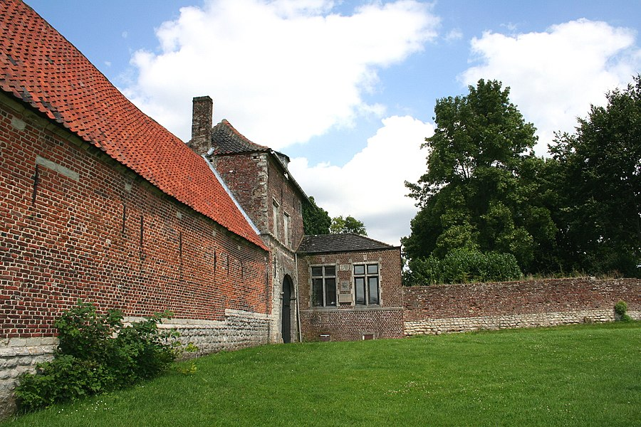 Braine-l'Alleud, the southern porch and garden of the Goumont or Hougoumont Castle-farm (XVIIIth century).
