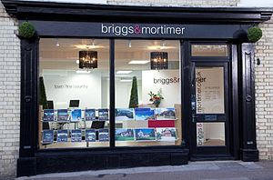 English: An image of a top estate agent in Roy...