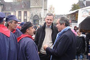 Bruno Le Maire - Le Maire talking with Jean-Louis Debré and his constituents in Évreux