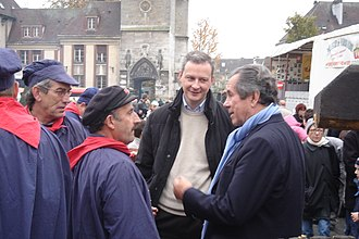 Bruno Le Maire - Le Maire talking with Jean-Louis Debré and his constituents in Évreux