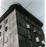 Bundesarchiv Bild 183-1992-0513-502, Berlin, Flakturm Recolored.png