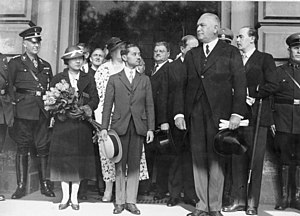 Rambai Barni - King Rama VII and Queen Rambai Barni in Berlin.
