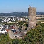 Burg Vetzberg view01crop 2018-07-27.jpg