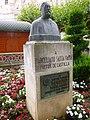 Burgos - Monumento al pintor Marceliano Santamaría.jpg