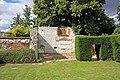 Burnham Abbey - Garden - geograph.org.uk - 901606.jpg