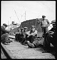 CH-NB - Ostpreussen, Danzig (Gdansk) oder Gdynia (Gdingen)- Hafenarbeiter - Annemarie Schwarzenbach - SLA-Schwarzenbach-A-5-13-102.jpg