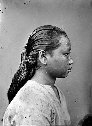 Balantak, Sulawesi - A Balantak woman (1913)