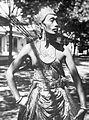COLLECTIE TROPENMUSEUM Portret van de beste Wirèng-danser van de kraton te Solo TMnr 10004629.jpg