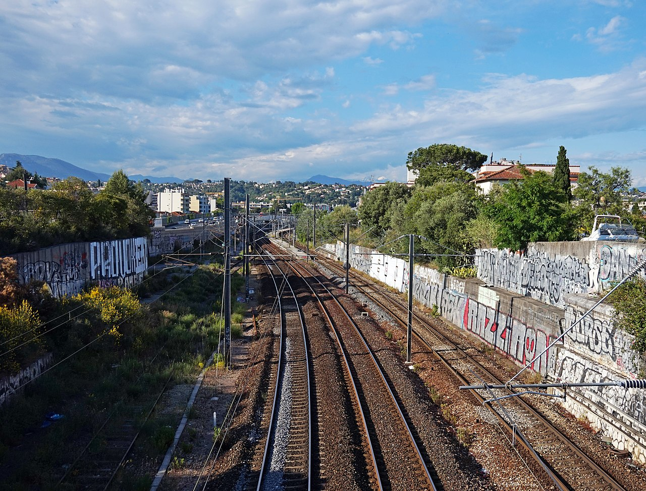 file cagnes sur mer railway wikimedia commons. Black Bedroom Furniture Sets. Home Design Ideas