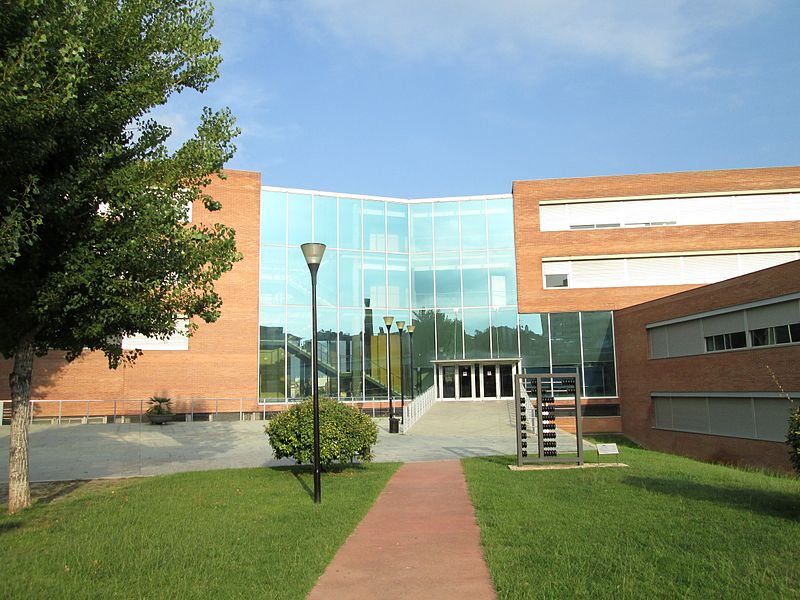 Fitxer:Campus universitari de Sabadell (UAB).JPG