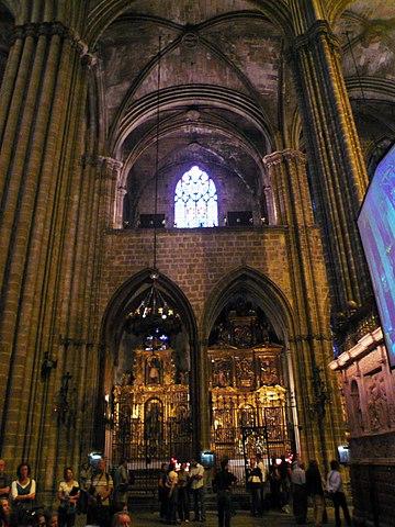File capelles bernard i roser catedral for Interior de la catedral de barcelona