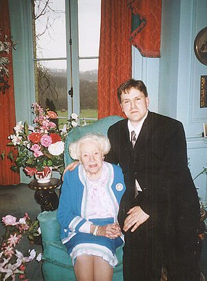 Barbara Cartland - Dame Barbara Cartland (aged 97), with reporter Randy Bryan Bigham, in one of her last publicity photos, 2000