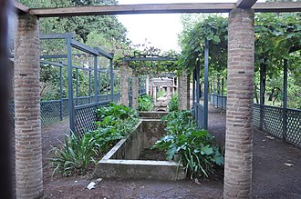 House of Loreius Tiburtinus - The house's garden