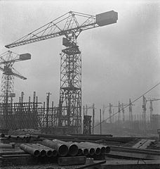 Cecil Beaton Photographs- Tyneside Shipyards, 1943 DB53.jpg