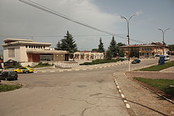 Central square in Izvor Pernik.JPG