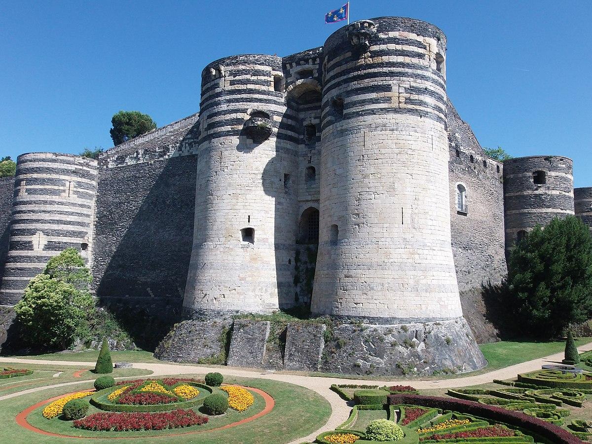 Liste Des Chateaux Francais Par Departement Wikipedia
