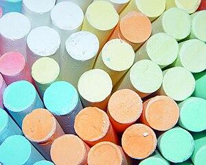 https://upload.wikimedia.org/wikipedia/commons/thumb/2/24/Chalk.jpg/300px-Chalk.jpg