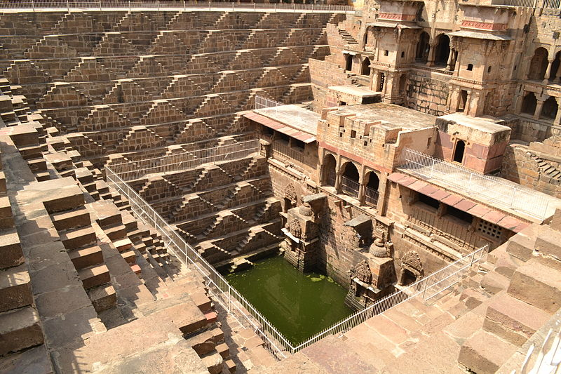 File:Chand Baori (Step-well) at Abhaneri.JPG