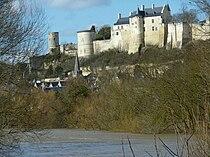 Chateau de Chinon SE 01.jpg