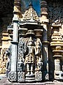 Chennakeshava temple Belur 354.jpg