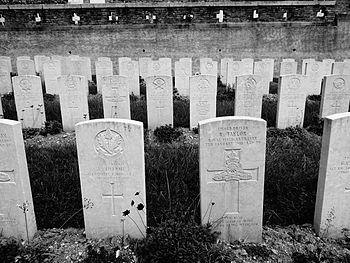 Cimitero inglese.JPG
