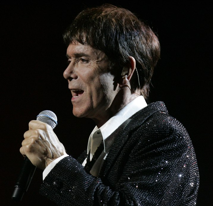 Cliff Richard (8454760629) cropped