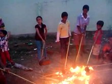 படிமம்:Coconut Burning Festival of Salem.ogv