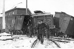 Ottawa, Arnprior and Parry Sound Railway - Image: Collision on the OAPS railway