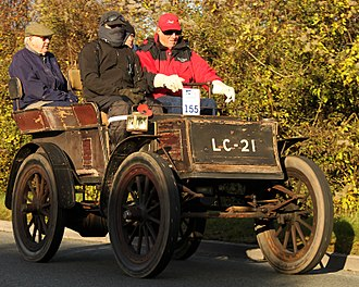 Columbia (automobile brand) - 1900 Columbia electric 3¾HP rear-entrance tonneau