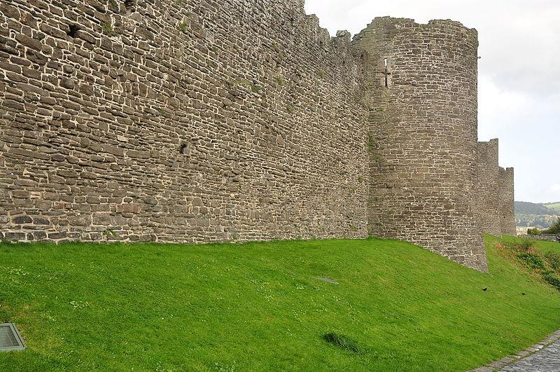 File:Conwy Castle (7979).jpg