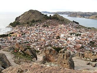 Pachat'aqa - Image: Copacabana Bolivia desde la Horca del Inca