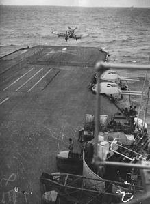 Corsair taking off from HMS Illustrious WWII Flickr 3482486518.jpg