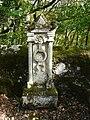 Couze-et-Saint-Front cimetière pierre tombale (3).JPG