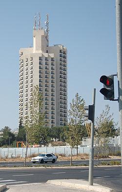 המלון, אוגוסט 2007